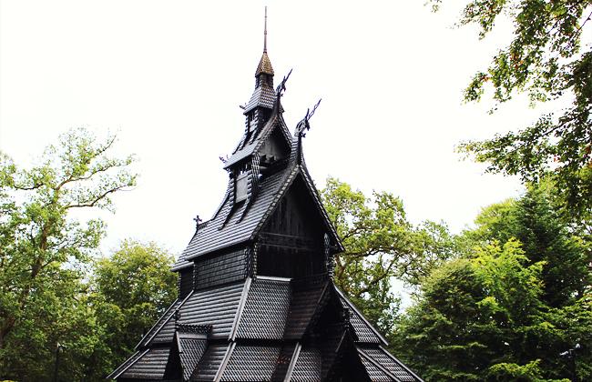 27-hordaland-stavkirke-fantoft